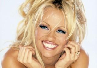 Pamela Anderson Rejects Ice Bucket Challenge