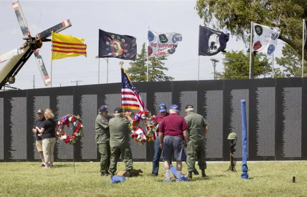 Vietnam Traveling Wall Comes To Topeka