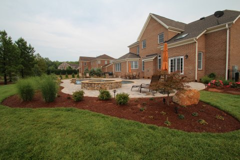 Increase The Value and Beauty Of Your Home With Landscaping