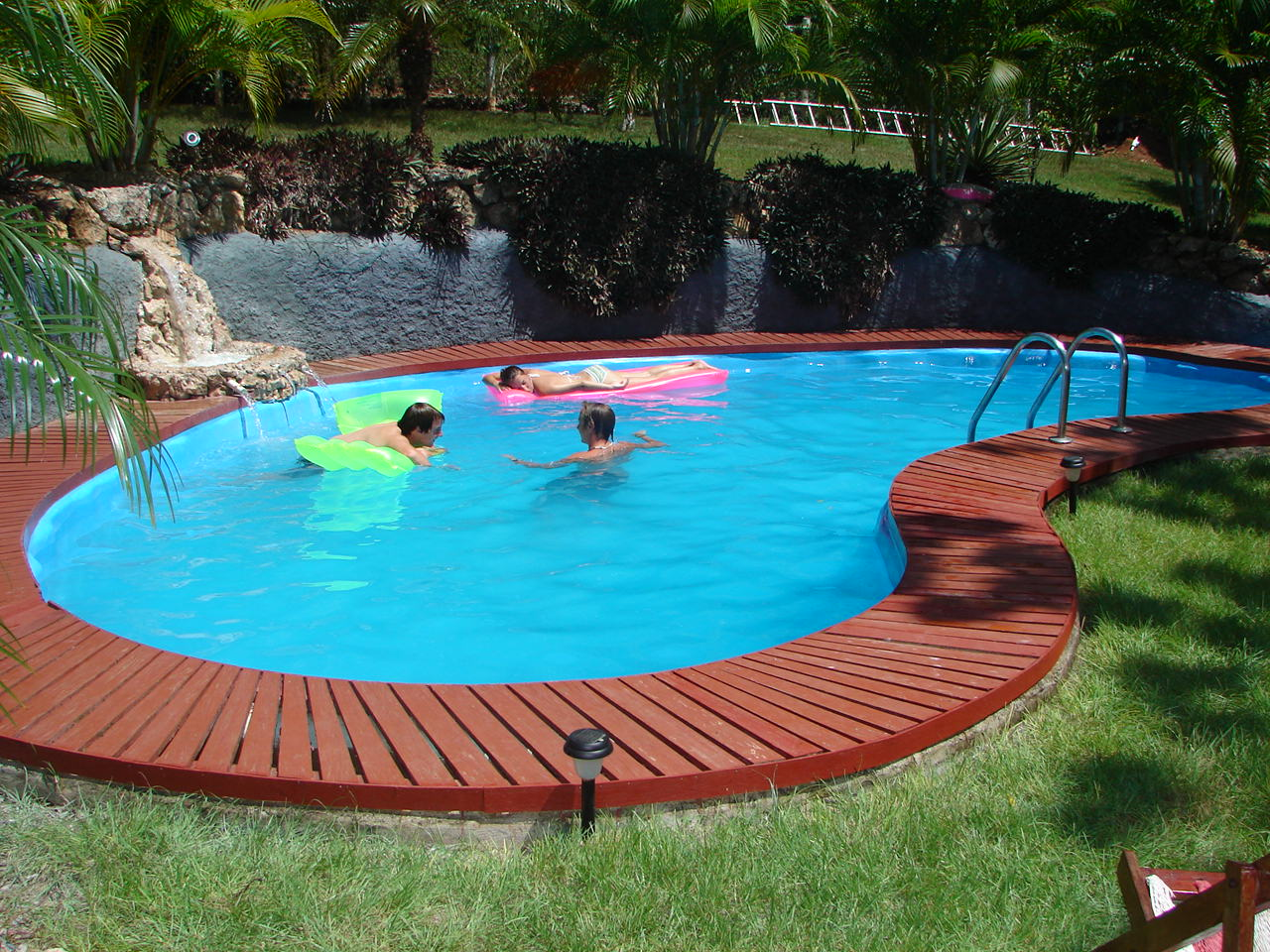Select An Appropriate Swimming Pool Builder