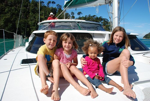 Factors To Consider When Chartering A Boat For A Week-Long Vacation