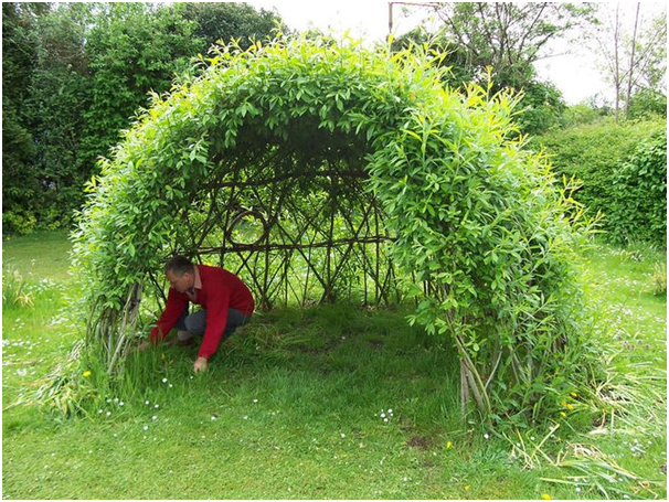 Create a children's den in your garden this summer
