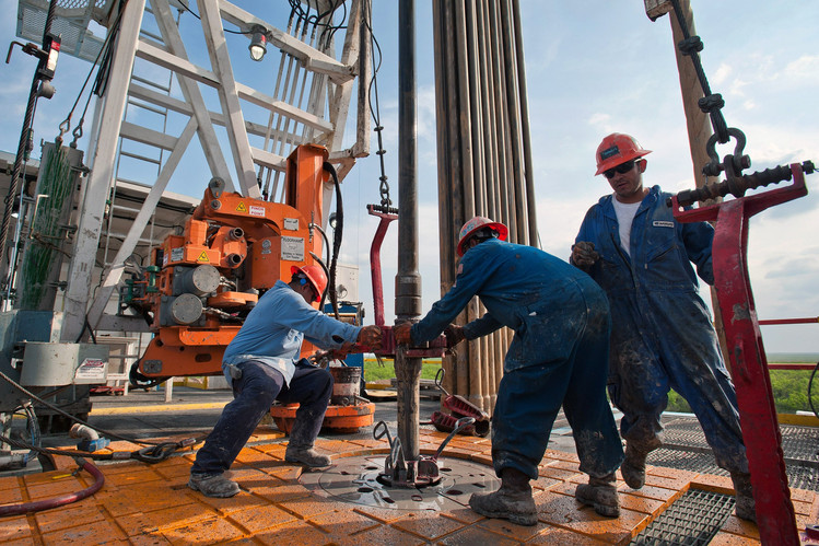 Listen To Expert Prediction About US Oil Industry's Booming Future