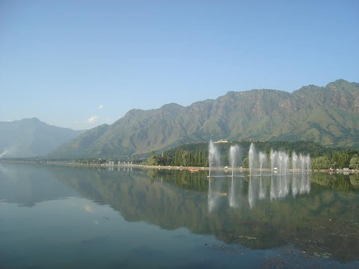 Kashmir Opens To Delight The Travellers