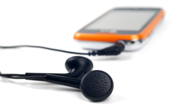 Choose Your Best Earphone Which Give You Lovely Music Experience