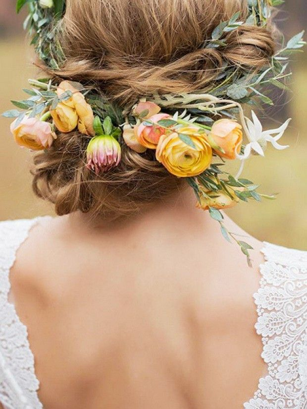 5 Ways To Freshen Up Your Hairstyle With Flower Hairpieces
