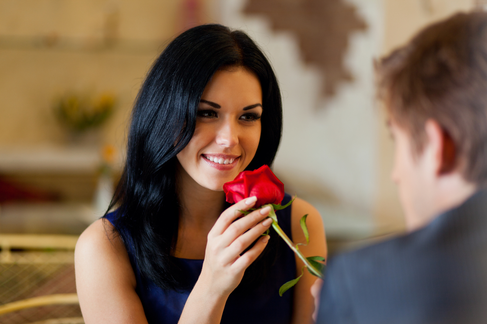 Know How Flowers Indicate Your Relationship With Your Girlfriend!