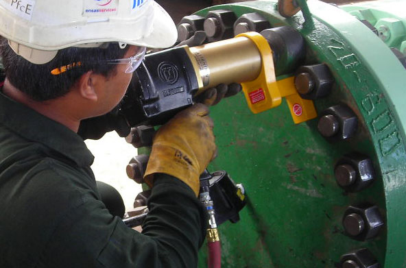 Pneumatic Torque Wrench Understanding The Applications and Advantages That Come With It