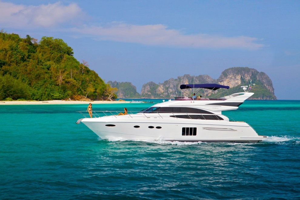 Tour The Best Islands In Thailand On A High-class Luxury Boat Charter