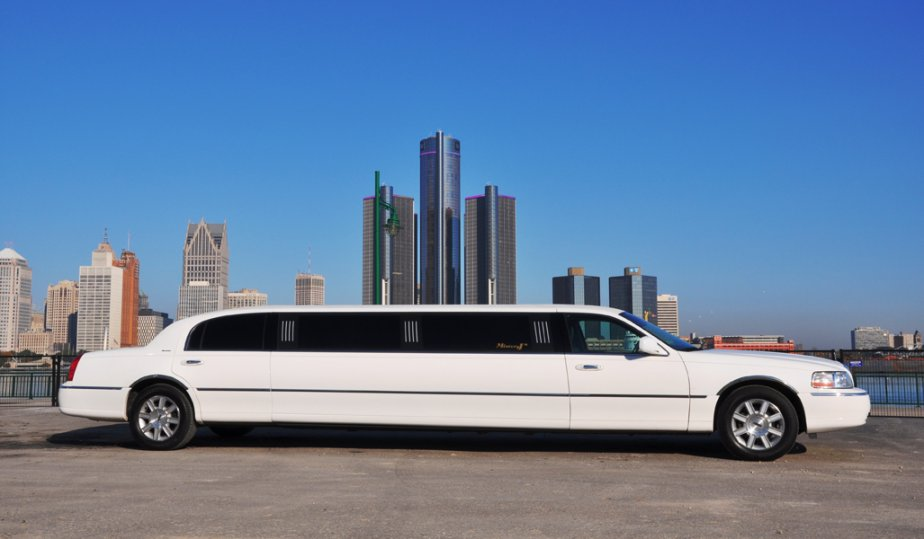 Why Choose A Party Bus Over A Limousine?