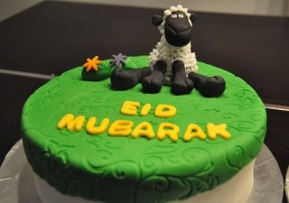 Spend A Gala Time With Great Food and Cakes On Eid