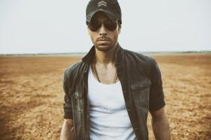 Enrique Iglesias Releases English Version of 'Duele El Corazon' feat. Tinashe