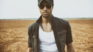 Enrique Iglesias Releases English Version of 'Duele El Corazon' feat. Tinashe