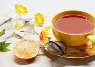 Kashmiri kahwa tea