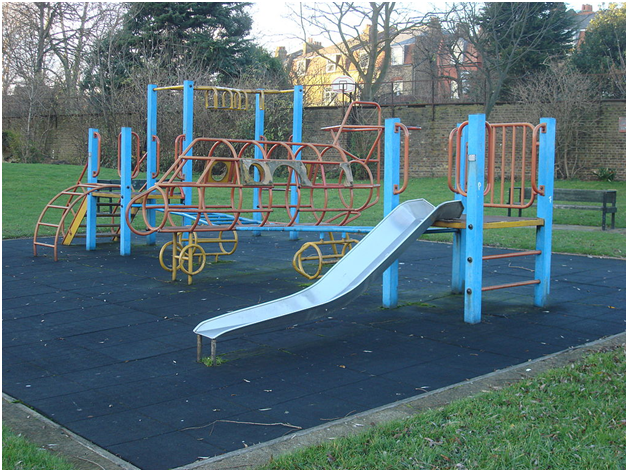 A Buyer's Guide To Climbing Frames and Playcentres