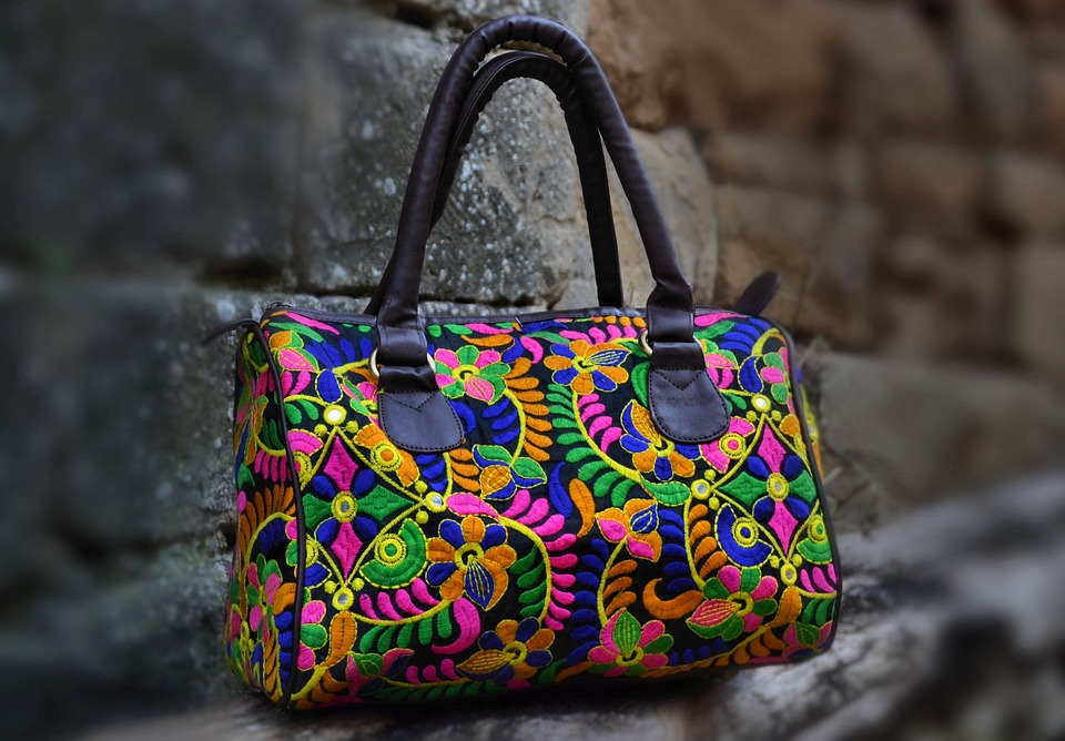 Imagine The Beauty Of Printed Tote Bags To Mark Your Casual Look