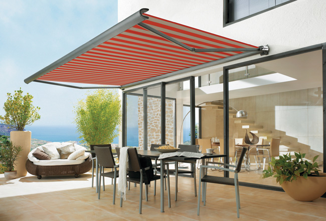Retractable Awnings Offer Many Advantages Over Regular Awnings