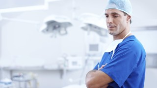 Cosmetic Surgery: Pros & Cons You Should Know
