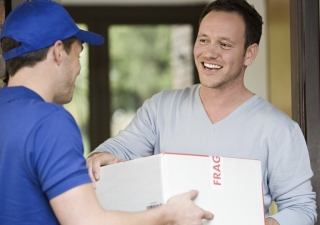 How To Select The Right International Delivery Services?