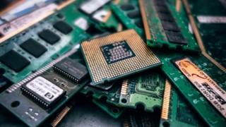 Making VLSI Training Effective and Entertaining
