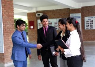 management college in Noida