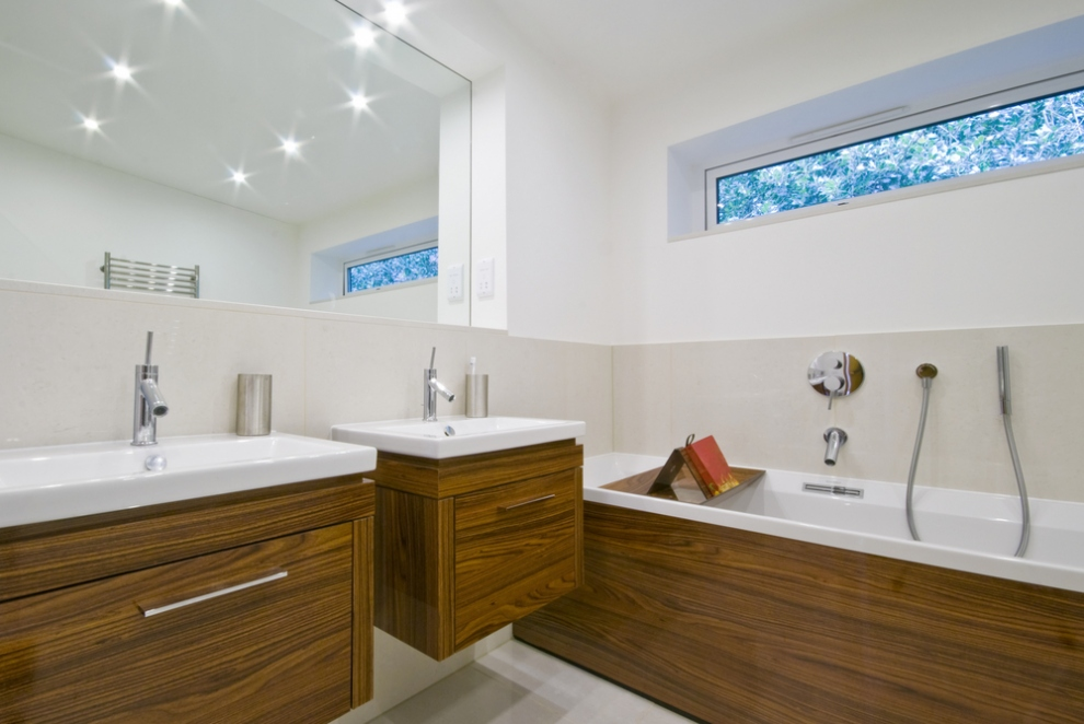How To Maximise A Small Bathroom